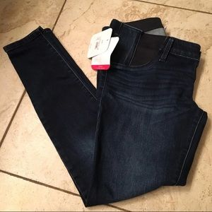 Isabel & Ingrid Maternity jeans NWT size 2/26
